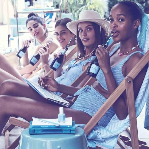 Women enjoying La Marca Minis